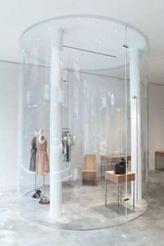 Japanese architects SANAA have completed the interior of a new store for fashion designer Derek Lam in New York. Modegeschäft Design, Display Design, Commercial Architecture, Interior Architecture, Fashion Store Design, Fashion Stores, Store Fixtures, Retail Space, Shop Interiors