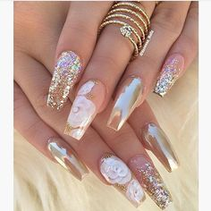 Love love love @vanessa_nailz  makes me miss Nail Art @alisa808  @bessyboob @d.simone___ @prettyeyes71redgal  I NEED MY FIX UGGGH THESE ARE GORG LOVE..... Love her work