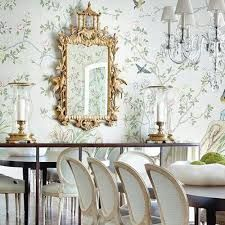 loving the gilded mirror with the feminine bird chinoiserie wallpaper. Wood Garage Doors, Garage Door Design, Dining Room Feature Wall, Dining Room Wallpaper, Classic Wallpaper, Chinoiserie Wallpaper, Living Room Modern, Small Rooms, Luxury Interior
