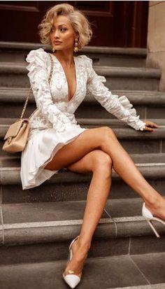 Inspire-se no estilo de Micah Gianneli Pretty Dresses, Sexy Dresses, Short Dresses, Sleeve Dresses, Glamorous Dresses, Bandage Dresses, Going Out Dresses, Mini Dresses, Sexy Outfits