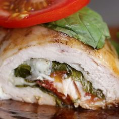 Eat Stop Eat To Loss Weight - Caprese Chicken Rollups - In Just One Day This Simple Strategy Frees You From Complicated Diet Rules - And Eliminates Rebound Weight Gain Pechuga con tomate y queso Healthy Dinner Ideas for Delicious Night & Get A Health Deep Pollo Caprese, Baked Caprese Chicken, Mozzarella Chicken, Basil Chicken, Tasty Videos, Good Food, Yummy Food, Cooking Recipes, Healthy Recipes