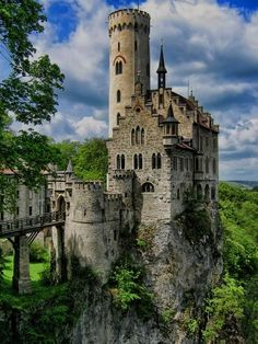 Like many of the castles and fortresses in Germany, Lichtenstein Castle was built on the ruins of a ruined castle dating back to the 1200s. It sits on top of a cliff in the Swabian Alb Mountain range, and just like Neuschwanstein Castle, it looks like it belongs in a fairytale.
