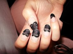 laced nails