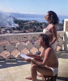 """ Elizabeth Taylor and Richard Burton - Puerto Vallarta, 1963 """
