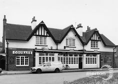 The Queen's Head, Mill Green Road, Mitcham. Greater London, Local History, Surrey, Cabin, Queen, House Styles, Bridges, Nostalgia, Home Decor
