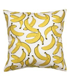 CONSCIOUS. Cushion cover in organic cotton twill with a printed pattern. Concealed zip.