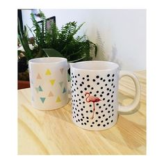 CANECAS! ❣✨☕️ #brancodesign #canecas #mug #flamingo #pink #dots #colorful #presentes #presentesdenatal #instagood #instacool #fun #love #papelaria #casa #homedecor #kitchen #office #pattern #estampas #estaampariapersonalizada #identidadevisual #graphicdesign #interirodesign #almostfriday #colorpalette