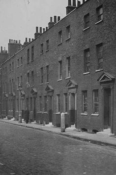 18 Vintage Photos Of Charles Dickens' London London History, Tudor History, British History, Asian History, Oliver Twist, Uk Photos, London Photos, Portsmouth, Victorian London