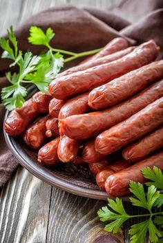 Salami Recipes, Pork Recipes, Homemade Chorizo, Charcuterie Cheese, Italian Sausage Recipes, Chorizo Sausage, How To Make Sausage, Exotic Food, I Love Food