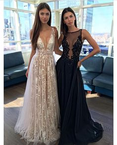 Right or Left ? via @fashionzine by @bertabridal ❤️