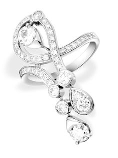 Piaget Limelight ring with diamonds set in 18-karat white gold.
