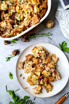 Easy Vegan Stuffing (The Ultimate) - Pickled Plum Food And Drinks Stuffing Recipes For Thanksgiving, Vegan Thanksgiving, Vegan Christmas, Christmas Recipes, Holiday Recipes, Holiday Meals, Christmas Cooking, Christmas Desserts, Christmas Eve