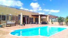 Top rated Holiday Villa with swimming pool in Caleta De Fuste, Salinas de Antigua Golf Course - private pool and internet access