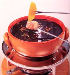 Slow cooker chocolate orange fondue.Delicious chocolate dessert.Keep it warm,using a slow cooker.