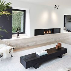 Gray color: meaning, how to use in decoration and photos - Home Fashion Trend Bedroom Minimalist, Minimalist Interior, Minimalist Fireplace, Modern Minimalist Living Room, Monochrome Interior, Minimalist House, Appartment Design, Living Room Grey, Living Room Decor