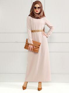 Robe cintrée - Refka Hijab Dress, The Dress, Hijab Fashion, Dresses For Work, Satin, Abayas, Hijabs, Sweaters, Style