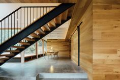 Pasadizo debajo de escaleras