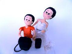 Faça a diferença no seu casamento com Topo de Bolo Personalizado de acordo com seu desejo !    Entre em contato que estamos à disposição para esclarecer suas dúvidas !