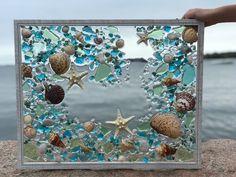 Glass art Sculpture Exhibitions - - Sea Glass art Videos Clothes Line - Sea Glass Mosaic, Sea Glass Art, Stained Glass Art, Mosaic Art, Mosaics, Broken Glass Art, Glass Beach, Fused Glass, Glass Vase