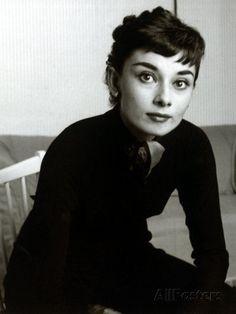 Audrey Hepburn, September 1954 Reproduction photographique sur AllPosters.fr