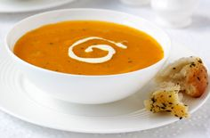 Carrot and coriander soup - Diet soups: Lose weight with our low calorie soup recipes Easy Soup Recipes, Lunch Recipes, Cooking Recipes, Diet Recipes, Healthy Living Recipes, Healthy Family Meals, Carrot And Coriander Soup, Carrot Soup, Pumpkin Soup