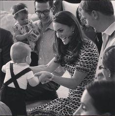 Dia das Mães: 22 fotos apaixonantes de Kate Middleton e seus pequenos, George e Charlotte ❤