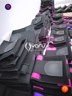 YARU manufactures latex, powernet, neoprene and polyester girdles with rigorous quality processes. We use high quality fabrics, threads and supplies, so that the products meet the high standards in different countries. Funny Fashion, Girdles, High Standards, Waist Training, Waist Cincher, Baby Car Seats, Corset, Countries, Athletic Wear