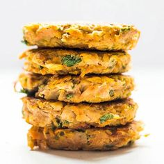 Sweet Potato and chickpea cakes - a healthy and nutritious side or lunch for kids. Great for blw (baby-led weaning)