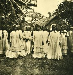 Samoa Upolu Island Apia Women Old Stereo Photo Kurt Boeck ca 1900 World Cultures, Countries Of The World, Haka New Zealand, Samoan Women, Polynesian Islands, Black History Facts, Afro, Black Image, People Of The World