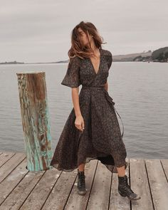 Shop the Christy Dawn dress collection for timeless, handmade vintage inspired clothing to look great on any occasion, while supporting sustainable fabric sourcing practices. Cute Dresses, Casual Dresses, Summer Dresses, Chic Summer Outfits, Fall Dresses, Bridal Dresses, Mode Outfits, Fashion Outfits, Fashion Tips
