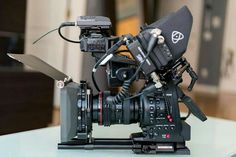 Camera Rig, Camera Hacks, Camera Gear, Cinema Camera, Film Camera, Computer Desk Setup, Camera Equipment, Film Inspiration, Photography Camera