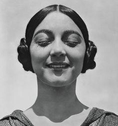 Photography by Edward Weston.