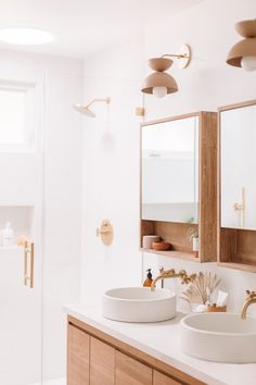 Dreaming of an extra or designer master bathroom? We have gathered together lots of gorgeous bathroom ideas for small or large budgets, including baths, showers, sinks and basins, plus master bathroom decor ideas. Bad Inspiration, Pretty Room, Modern Bathroom, Bathroom Ideas, Master Bathrooms, Bathroom Organization, Luxury Bathrooms, White Bathrooms, Dream Bathrooms