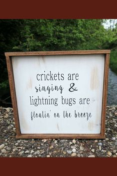 I absolutely love this, this is summer to me! Farmhouse Signs, Farmhouse Style, Farmhouse Decor, Wood Crafts, Diy And Crafts, Easy Crafts, Dollar Store Crafts, Diy Signs, Sign Quotes