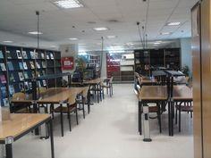 Sala de lectura de la  Nueva Biblioteca Campus- Cartuja Conference Room, Table, Furniture, Home Decor, Reading Room, Organize, Decoration Home, Room Decor, Tables