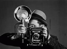Security Guard: Сертифицированный охранник имеет право задержать человека, подозреваемого в правонарушении на охраняемом объекте. Простой сторож, не имеющий сертификата, не имеет права на такие действия, даже если схватил преступника Aesthetic Images, Aesthetic Photo, Gifs, John Herschel, Cinemagraph, Moon Rise, Photoshop, Perfect World, Taking Pictures