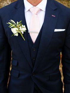 Great color combo and a perfect pastel pink tie.