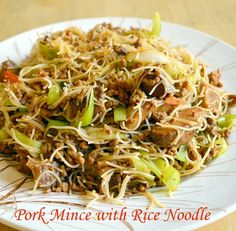 Chinese Pork Mince with Rice Noodle. www.china-memo.com