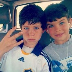 Baby Nash and Hayes Grier