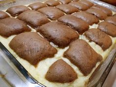 "Chec ""Pernutele"" — o adevarata capodopera culinara Diy Food, Caramel, Food And Drink, Cooking Recipes, Sweets, Cookies, Desserts, Breads, Pound Cake"