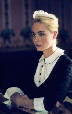 Dans lequel de ces films voit-on Emmanuelle Béart ainsi habillée ? L'enfer