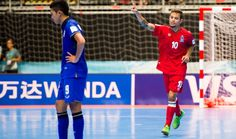 Ex-morador de rua, brasileiro brilha pelo Azerbaijão no Mundial de Futsal  #globoesporte Basketball Court, Sports, News, Hs Sports, Excercise, Sport, Exercise