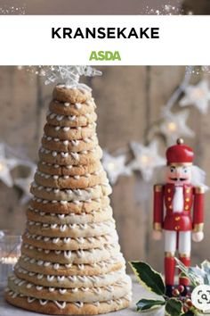 Looking for a showstopping Christmas centrepiece to wow your guests? With rings of chewy almond stacked to form a tower, this celebration Christmas tree wreath cake tastes as good as it looks. Christmas Tree Cake, Christmas Treats, All Things Christmas, Christmas And New Year, Gift Card Number, Tree Cakes, Cake Tasting, Christmas Centerpieces, Asda