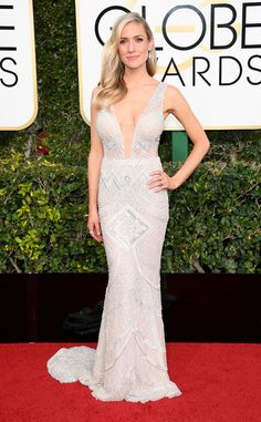 Plunging Neckline: 2017-golden-globes-sexiest-trends - Kristin Cavallari stunned in a bodycon dress
