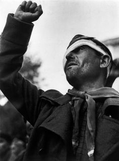 Robert Capa © International Center of Photography SPAIN. Les Masies. October 25th, 1938. Farewell ceremony for the International Brigades.