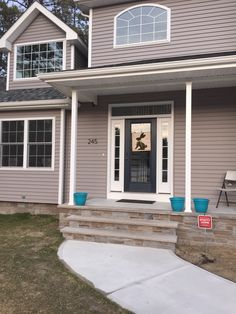 Certainteed siding in granite gray & Looks like an accurate picture CertainTeed Natural Clay Siding color ...