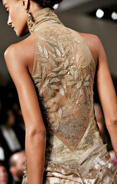 Chic Ralph Lauren Couture Embellished Beaded Gold Dress Size US 6 UK 10 I 42 Women Dresses from top store Couture Details, Fashion Details, Fashion Design, Couture Mode, Couture Fashion, Dress Fashion, Runway Fashion, Moda Fashion, High Fashion