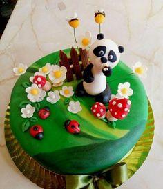 gâteau avec bébé panda, coccinelles, abeilles et champignons