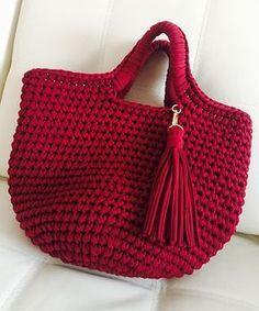 bolsa de crochê com fio de malha