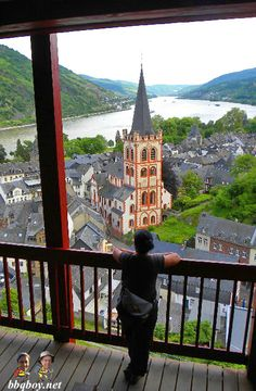 Bacharach, Germany - our favorite German town. More photos on this pretty little town as well as tips on touring and wine drinking in this area: http://bbqboy.net/guide-on-bacharach-our-favorite-german-town-and-highlights-of-the-rhine/ #Bacharach #Germany #Europe